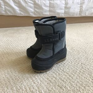 LL Bean toddler snow boots like new!